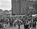 Westfriese Marktdag voor de vijfde maal in Schagen overzicht van de boerendansen, Bestanddeelnr 910-4881.jpg
