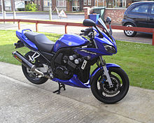 "2003 Yamaha FZS600 Fazer ""Fox eye"" in blue"