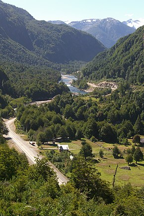 Yet Another Lovely View from the Carretera Austral (3184615307).jpg