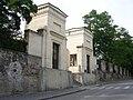 Zámek Mnichovo Hradiště, vstupní brána.jpg