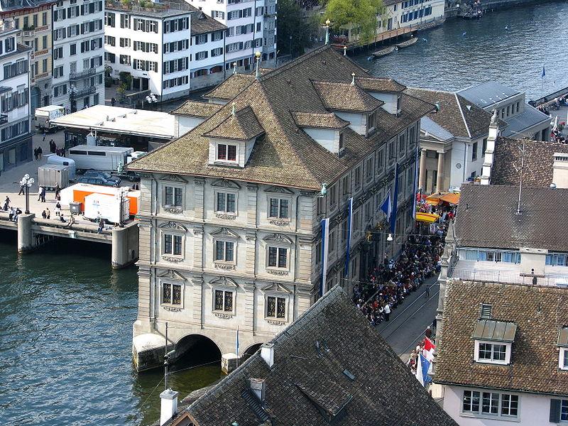 File:Zürich - Gmüesbrugg - Rathaus - Sicht vom Grossmünster Karlsturm IMG 6408.JPG