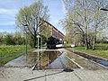 Zalany skansen koleji Średzkiej w parku Rataje w Poznaniu - maj 2021.jpg
