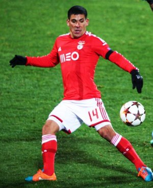 Maxi Pereira - Pereira playing for Benfica in 2014