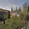 Zicht op gevels Pandhof vanuit het zuidoosten, rechts de oude parochiekerk - Brunssum - 20344039 - RCE.jpg