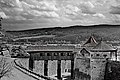 Überdachte Holzbrücke der Festung Rosenberg.jpg