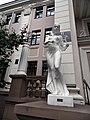 Волочаевская, 162 - скульптуры, 2006 год.jpg