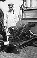 Матрос у орудия на корвете Боярин.jpg