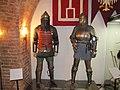Рыцарский зал. Реконструированные рыцарские доспехи.jpg