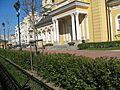 Церковь Симеона и Анны, сад.jpg