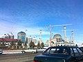 Шали. Строящийся комплекс высотных зданий и мечеть им. Р. Кадырова.jpg