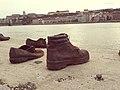 אנדרטת נעליים על הדנובה (10).jpg