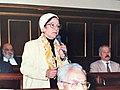 د. حمدية زهران أثناء المناقشة في مجلس الشورى، ١٩٩٧.jpg