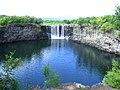 鏡泊湖の滝 - panoramio.jpg