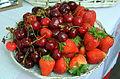 001468 Erdbeeren und Kirschen 2013 aus den Beskiden.JPG