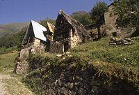 039 Casa con tetto di paglia.jpg