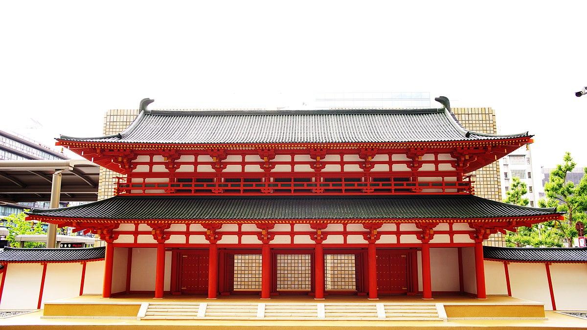 180427 Model of Rajōmon gate at Kyoto station.jpg