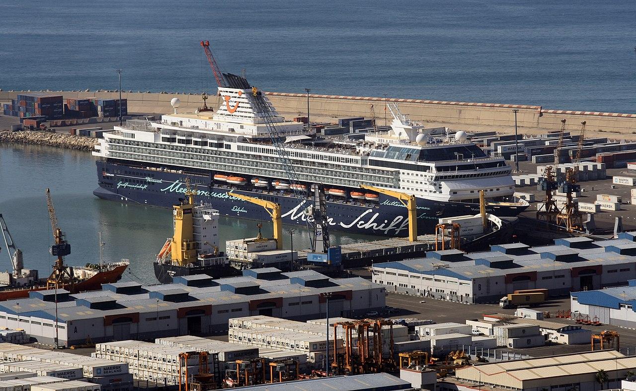 File 2010 12 14 Morocco Agadir Port Cruise Ship Mein