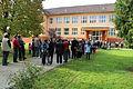 2013-10-12 - Bošáca, dav čekající před školou (7).jpg