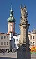 2014 Frydek-Mistek, Náměstí Svobody, Kolumna z figurą Matki Boskiej 04.jpg