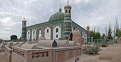 2015-09-10-093741 - Mausoleum von Abakh Hodscha vom Friedhof aus.jpg