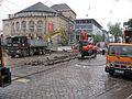 2016-05-14, Gleiserneuerung in der Bertoldstraße in Freiburg, im Hintergrund das Stadttheater.jpg