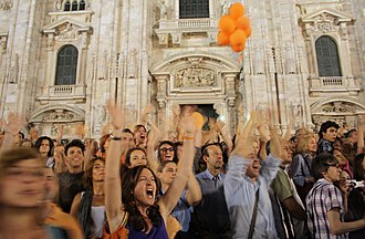 Milan municipal election, 2011 - Supporters of Pisapia celebrating his election in front of the Duomo.