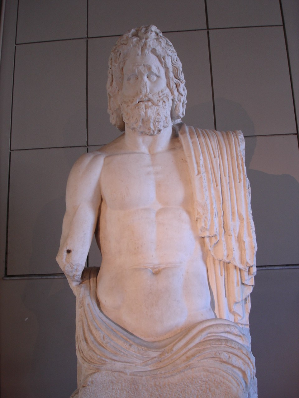 4551 - Istanbul - Museo archeol. - Zeus - sec. II d.C. - da Gaza - Foto G. Dall'Orto 28-5-2006