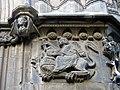 76 Catedral, portal de Sant Iu, Samsó matant el lleó.JPG