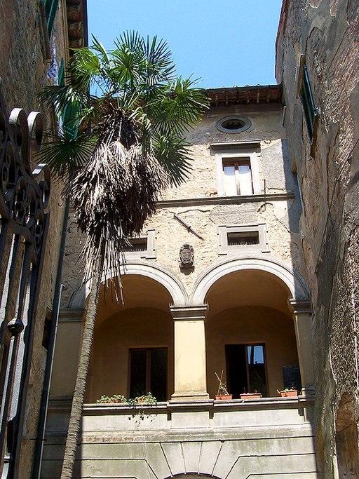 Volterra, Palazzo Incontri-Viti