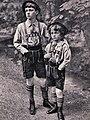 AK - Prinz Luitpold und Prinz Albrecht von Bayern - Tracht - 1910.jpg