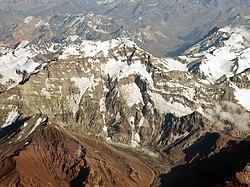 El Aconcagua, con 6.959 metros de altitud, es la cima más alta de América