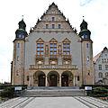Adam Mickiewicz University (7754117666).jpg