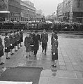 Afscheid burgemeester Van Walsum van Rotterdam, de burgemeester en echtgenote do, Bestanddeelnr 917-4642.jpg