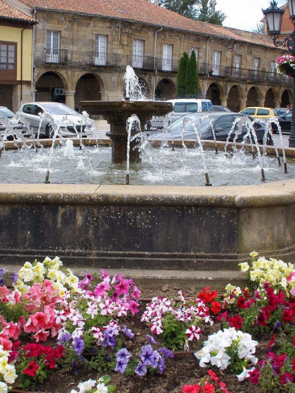 Aguilar de Campoo - Plaza de España 5