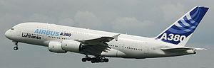Airbus A380 inbound ILA 2006-2.jpg