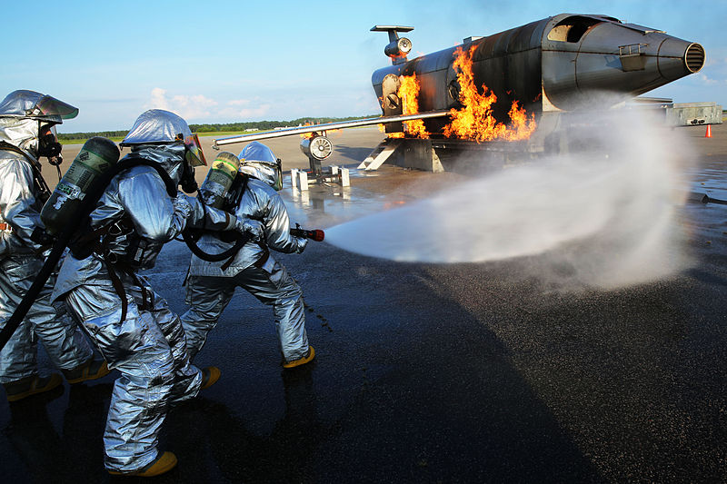 File:Aircraft Rescue, Firefighting Marines hone techniques 140814-M-BN069-039.jpg