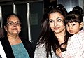 Aishwarya Rai snapped with her daughter Aradhya and her parents at the airport..jpg