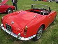 Alfa Romeo Giulia Spider 1964 (101 series) (9008913177).jpg