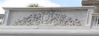 Edmondston–Alston House - Alston coat-of-arms on parapet at roof