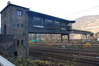 Bingen (Rhein) Hauptbahnhof - The gantry signal box in 2009