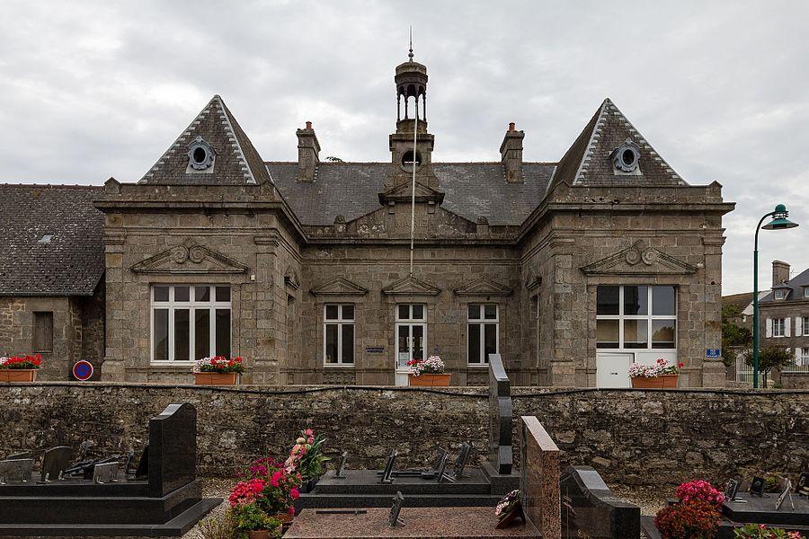 Français:  Ancienne mairie, maintenant bibliothèque municipale de Montfarville (France).