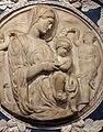 Andrea sansovino, madonna col bambino, entro cornice dei della robbia, 1490-1515 ca. 02.jpg