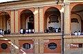 Archi del Portico di San Luca e porta della chiesa di Santa Sofia, sede della confraternita dei Domenichini - panoramio.jpg