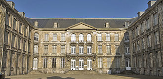 Abbey of St Vaast - Abbey of St Vaast (facade on the entrance courtyard)