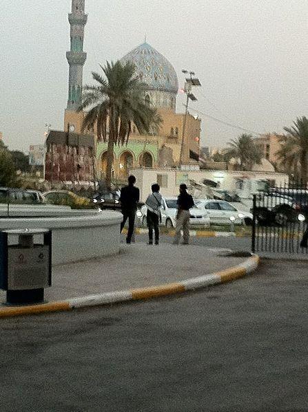 جامع العلوية  447px-Baghdad_Firdoos_Square_2011