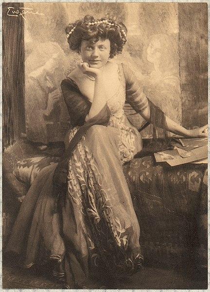 File:Baroness von W. of Vienna MET DP72031.jpg