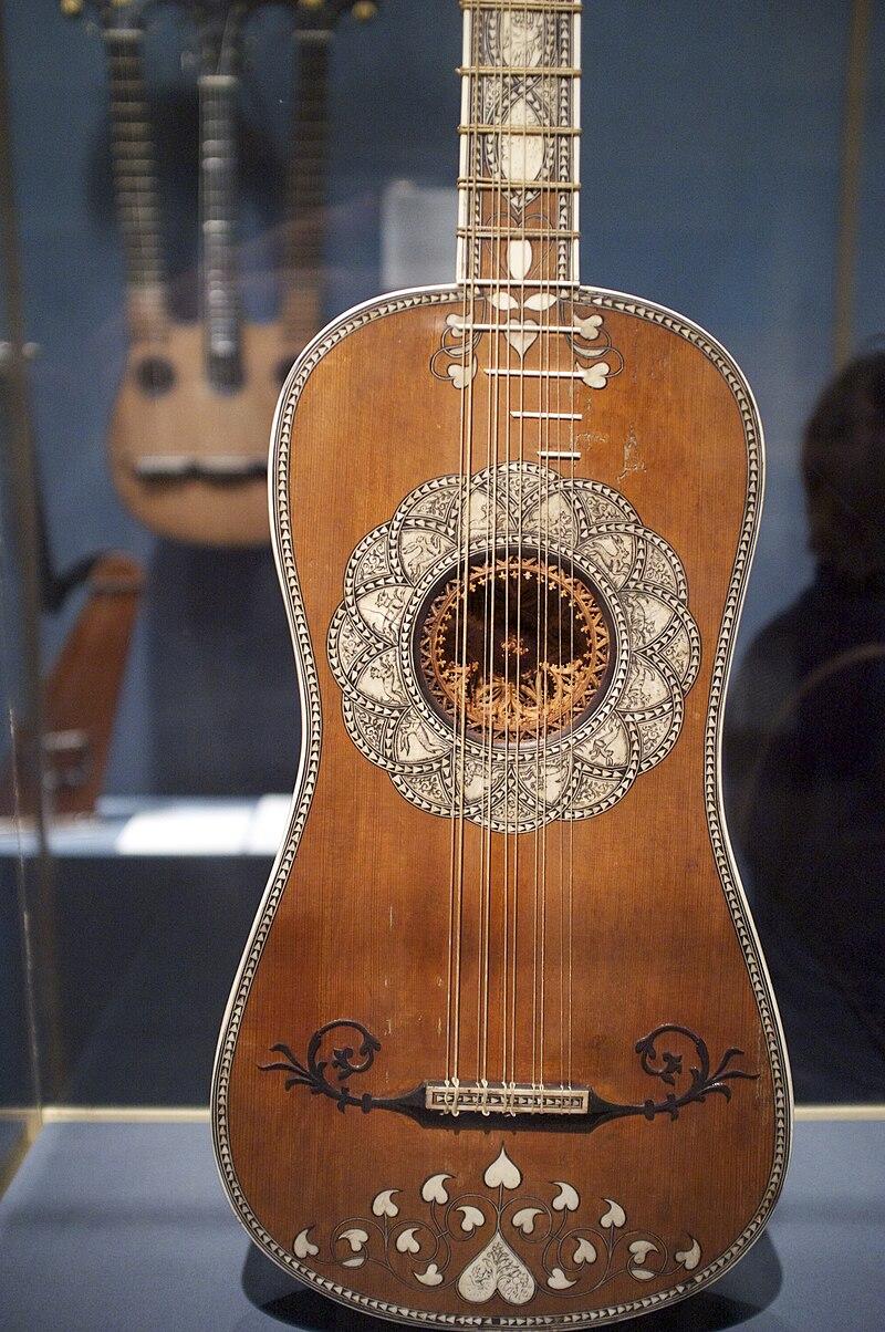 Baroque guitar (ca.1630-50), Matteo Sellas, The Met, NYC.jpg