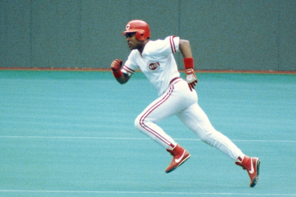 Barry Larkin playing for Cincinnati in Riverfront Stadium in 1990