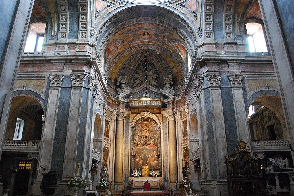 > Choeur de la basilique d'Estrela à Lisbonne. Photo de Concierge.2C