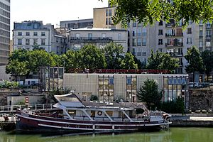 Bassin de l'Arsenal July 2012 N07.jpg